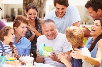 誕生日・古希祝い。70歳男性に喜ばれる素敵なプレゼント15選