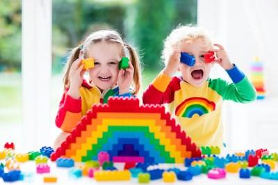 2歳の男の子への誕生日プレゼントならこれ!子供の成長を促すおもちゃ50選