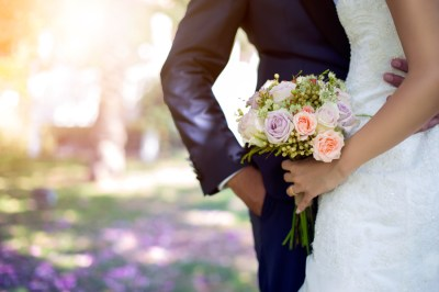 結婚式する?しない?入籍3年後に披露宴なしの家族挙式&2次会をした話