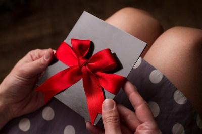 誕生日プレゼントに素敵な時間を贈りたい!人気ジャンルのギフトチケット16選