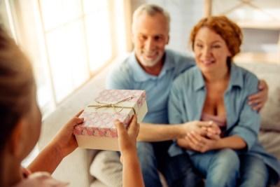 若い頃には気づけない…歳の差婚の現実とは?