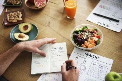 書くだけで痩せる?レコーディングダイエットのやり方と効果