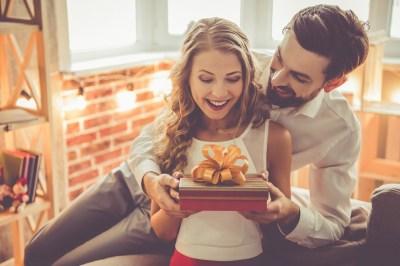 結婚5周年の「木婚式」に贈るプレゼントならこれ!木製のおしゃれアイテム50選+気をつけたいこと3選