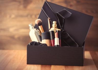 女性への誕生日プレゼントにコスメを選ぶならこれ!おすすめアイテム15選。