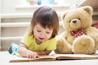 子どもへのプレゼントに絵本を贈るならこれ!用途別おすすめ絵本15選