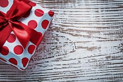 宅配で誕生日プレゼントを送るメリットとギフトアイデア50選+失敗例4選