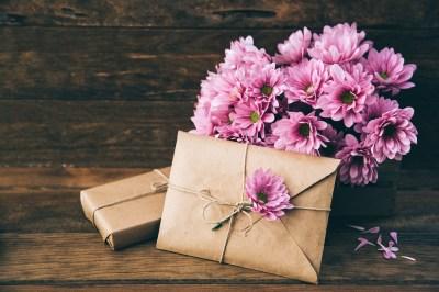 女性に「美容」のプレゼントをするならこれ!絶対嬉しい誕生日プレゼント50選