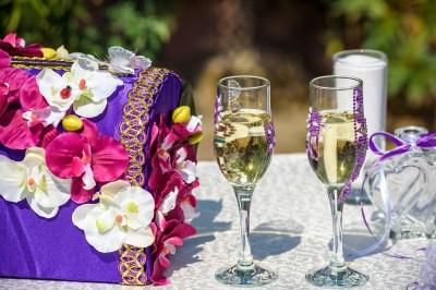 結婚祝いに特別な贈り物を。名前入りのプレゼント15選