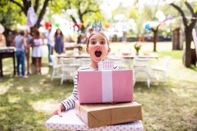 大好きな鬼滅の刃で誕生日をお祝い!子供向けの鬼滅グッズ50選