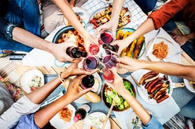 もらって嬉しいパーティー景品ならこれ。シーンを盛り上げるアイテム50選+景品選びをする際に気をつけたいこと2選