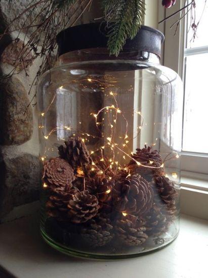 Un mega barattolo in vetro si trasforma in una lucente decorazione