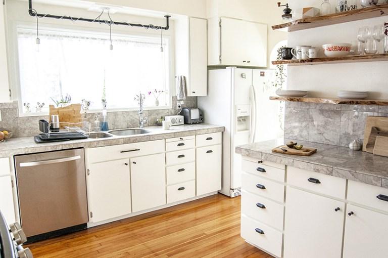 Rinnovare la cucina con stile sostituire i pensili con mensole sospese - Pensili cucina fai da te ...