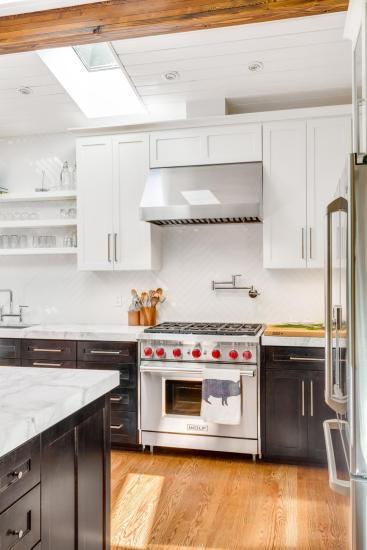 Da un appartamento degli anni \'60, una cucina contemporanea unica