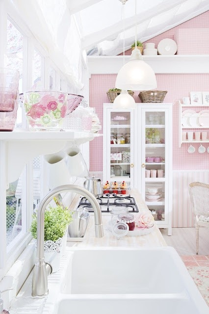 charming-shabby-chic-kitchens-that-youll-never-want-to-leave-12