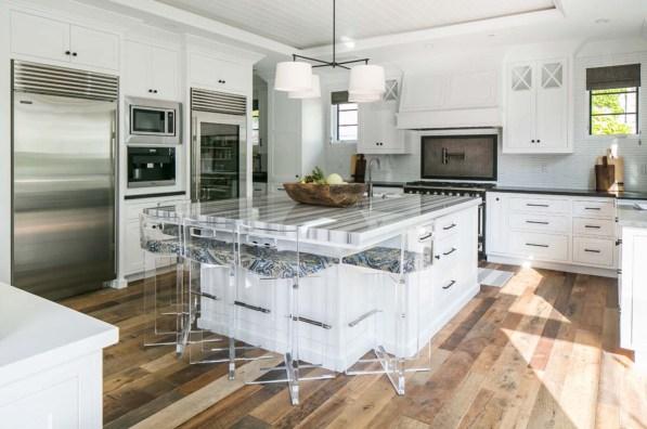 Come sarebbe la cucina di una casa al mare dei sogni? Così!