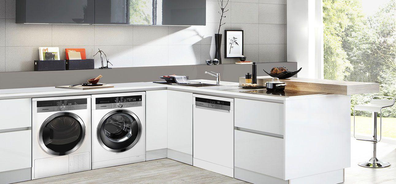 Cucine Componibili Con Lavatrice.Lavatrice In Cucina Ecco Come Integrarla Al Meglio