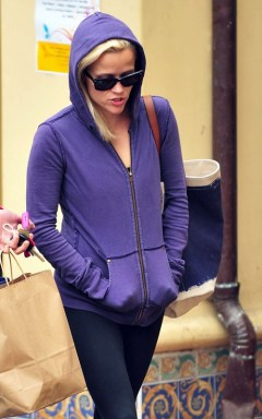 reese-witherspoon-052710-9
