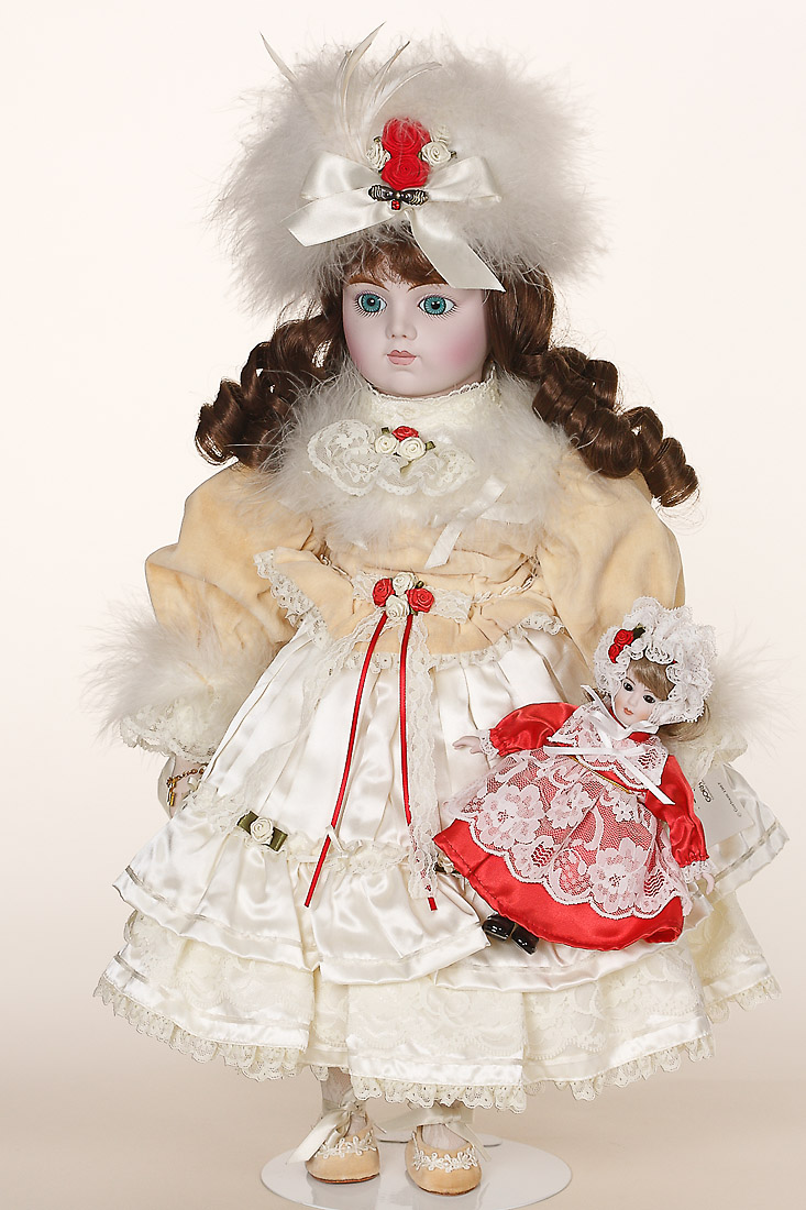 Merrie  Have Yourself Merrie  porcelain soft body limited edition collectible doll by Gorham
