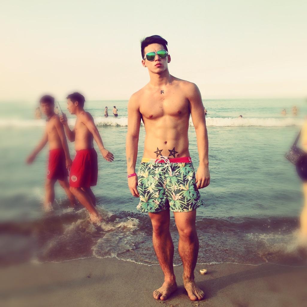 Whyan Chen beach