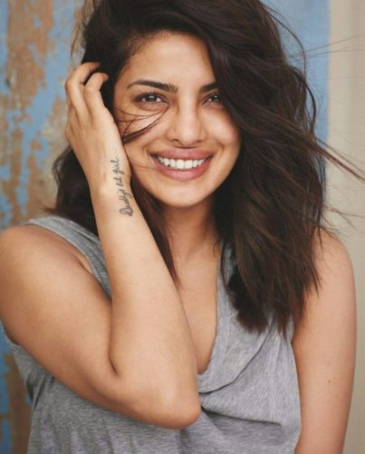Pictures of Most Beautiful Celebrities in Bollywood Without Makeup Will Shock Everyone