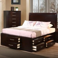 Bett mit Bettkasten - eine gute platzsparende Idee