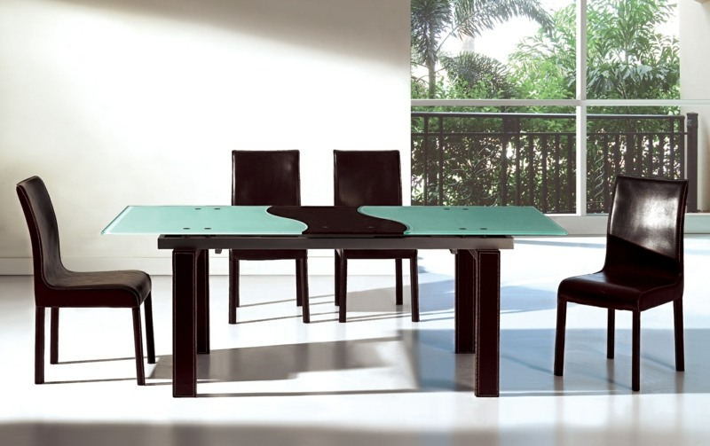 moderne esszimmermobel ideen rote stuhle esstisch glasplatte, Esszimmer