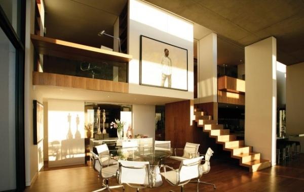 Modernes Strandhaus mit stilvoller Einrichtung von SAOTA
