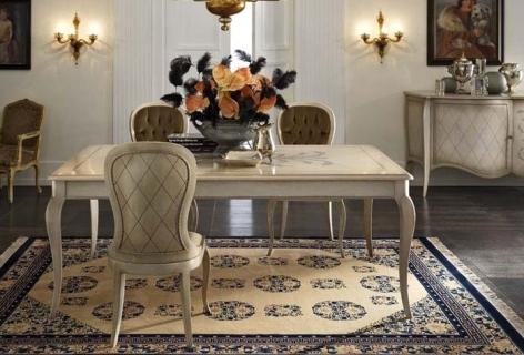 Stilvolle Einrichtung aus Italien handgefertigt im klassischen Stil