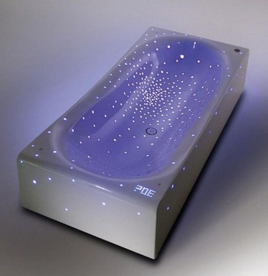 Sensationelle HiTech Acryl Badewanne mit LED Einbauleuchten