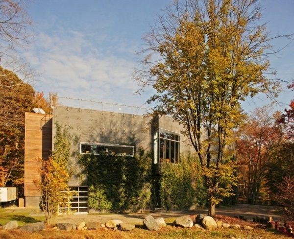 Energieeffizientes Haus im Wald bietet Ruhe Rckzug und Inspiration