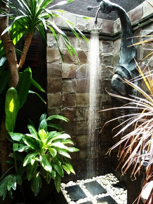 Dusche Im Garten Erfrischung Sommer Dusche Im Garten Erfrischung ...