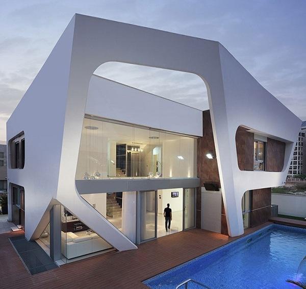 Avantgardistische Villa Mit Pool Und Glasfront Von Zahavi