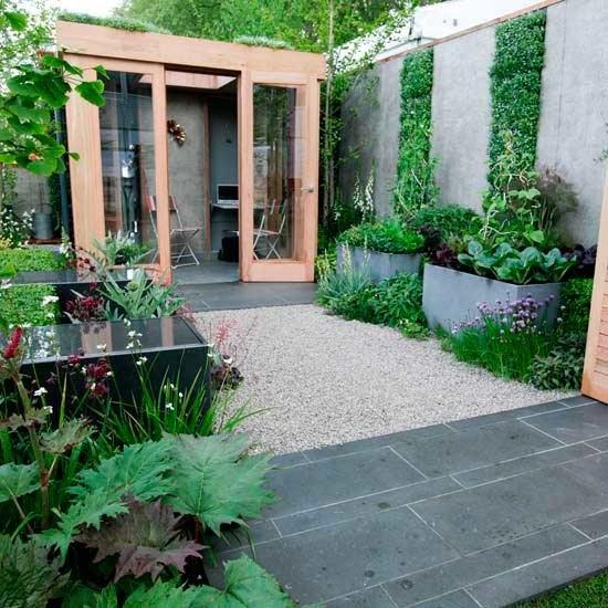 eine gruene wand die leicht exotisch wirk verschoenert garten und, Gartengerate ideen