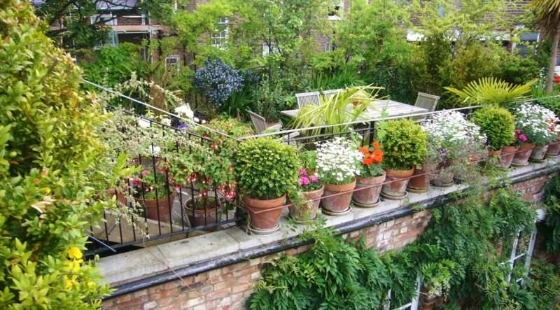 balkon ideen mit blumenkaesten die gelaender dekorieren, Terrassen deko