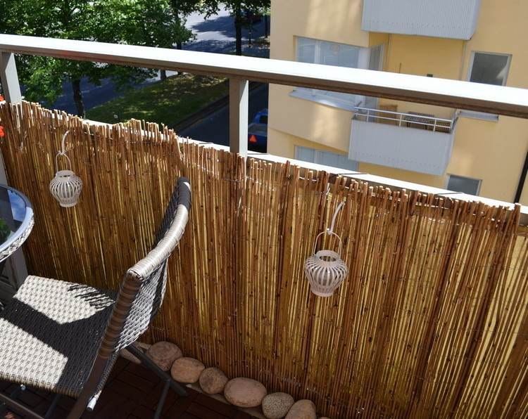 Bambus Balkon Sichtschutz Gestaltung Ideen Fuer Feng Shui Stil ... Sichtschutz Balkon Bambuspflanzen