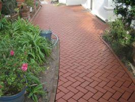 Gartenweg anlegen   Die Vorteile der Ziegel und Klinker