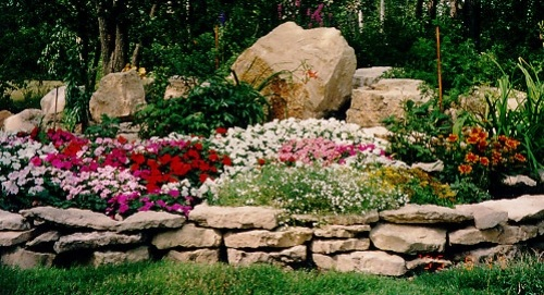 steine im garten anlegen | möbelideen, Gartenarbeit ideen