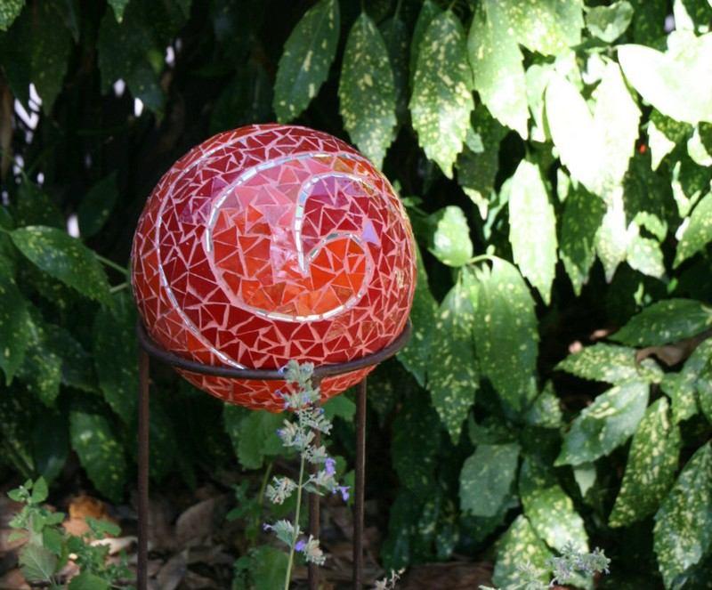 garten deko ideen mit bowlingkuggeln zum selbermachen - boisholz, Garten und erstellen