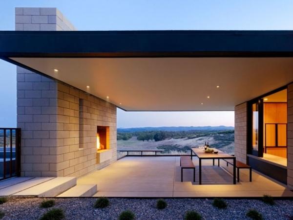 Flachdachhaus Design kombiniert Landstil mit moderner Architektur