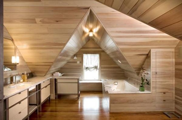 Holzverkleidung Dachschraege