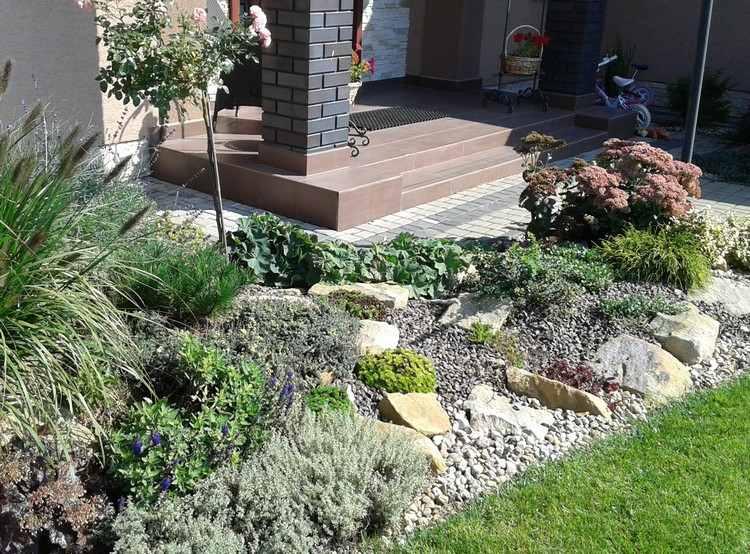 steingarten mit wasserlauf steingarten mit wasserlauf mobelideen design ideen. Black Bedroom Furniture Sets. Home Design Ideas