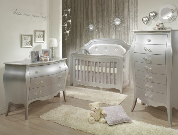 baby kinderzimmer gestalten klassische mobel. Black Bedroom Furniture Sets. Home Design Ideas
