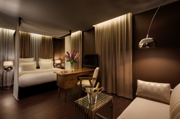 dekorateur schlafzimmer ideen braun beige wandfarbe vorhang, Badezimmer