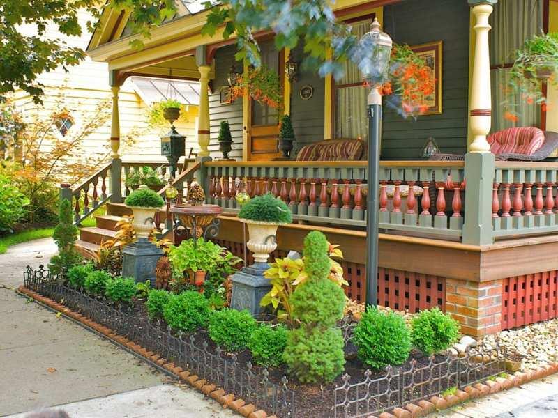 Gartengestaltung Vorgarten Idee Zaun Buchsbaum Veranda Haus Romantisch