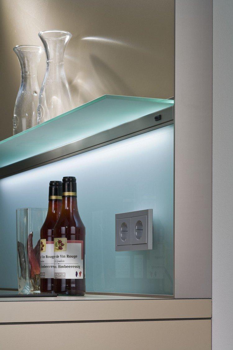 Moderne Glas Kchenrckwand Designs bieten Spritzschutz