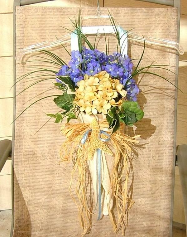 Herbst Deko mit Blumen selber machen Gestecke in Tten