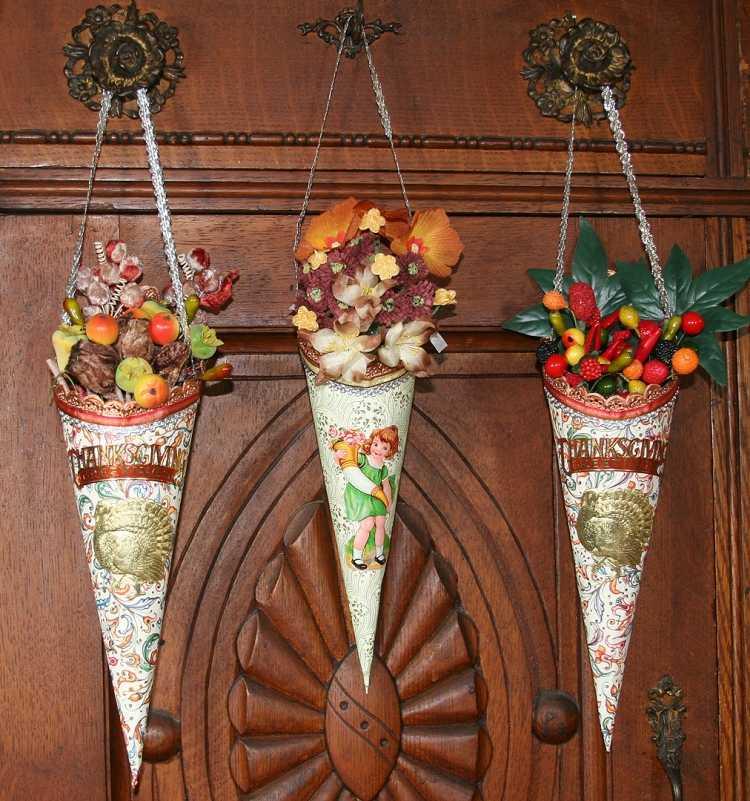 Herbst Deko mit Blumen selber machen Gestecke in Tten arrangieren