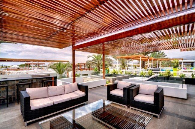 Modernes Wohnhaus Design in Lima beeindruckt mit riesiger Dachterrasse