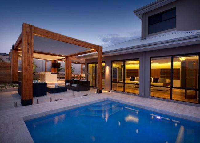 Terrassendach aus Aluminium und Holz bietet Sicht und