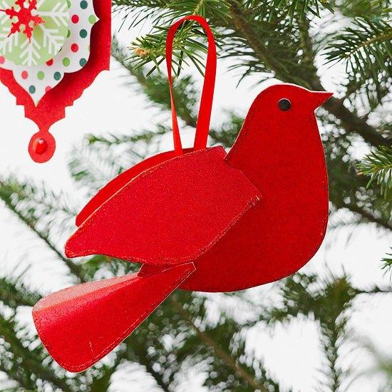 Bastelideen mit Papier  Bunter Weihnachtsbaumschmuck
